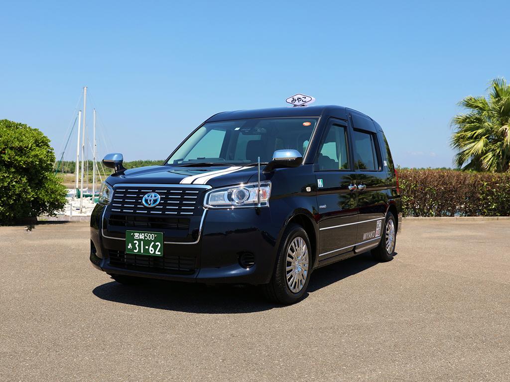 宮児タクシーの小型車両(ジャパンタクシー)